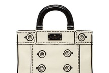 Bags & Purses / by Amalitar .