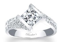 Unique Diamond Engagement Rings Style Ideas We Love / Unique and STUNNING diamond engagement rings - I want them ALL!