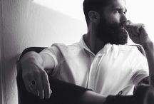Chi di barba abbonda...