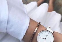DW white strap