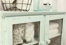 Bathrooms - Organized | ESSOME / Let your bathroom be functional and fabulous! / by Essome Organizing