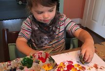 Holiday Toddler Fun / Showing Moms easy and awesome crafts that will help them feel creative keep the day from dragging.