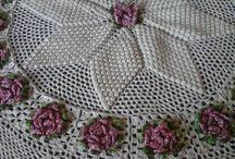 Toalhas de mesa em crochês