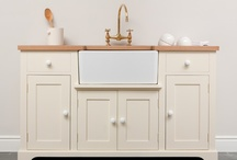 The Scullery Sideboard / The Scullery is a balanced looking sink sideboard with plentiful storage in drawers and cupboards. There are grooved channels shaped into one side of the wood top to help disperse any draining water. Fitted with a Belfast sink with a weir overflow.