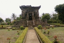 Indonesian Heritages / temples, traditional weapons, traditional musical instruments, and many more!