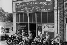 women on motorcycies