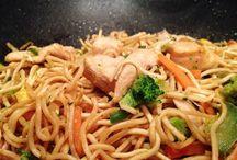 wook de nouilles aux légumes