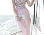Beautiful Women's Dress / by Ananda Everingham