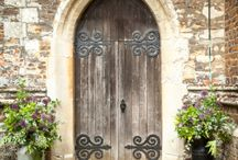 Wedding Flowers -Church doors and gates / British wedding florist based outside Milton Keynes. Providing natural, scented, seasonal wedding flowers.