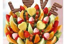 Sweet Love Story Fruit Bouque