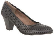 Jana / Γυναικεία παπούτσια μποτάκια και πέδιλα Jana, κατασκευασμένα από άριστα δέρματα και υλικά κατασκευής. Η ανατομική σχεδίαση και τα ανατομικά πατάκια χαρίζουν την απόλυτη άνεση καθόλη την διάρκεια της ημέρας