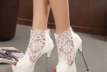 Latest Footwear / Buying authentic products on-line at a wholesale cost effective price.