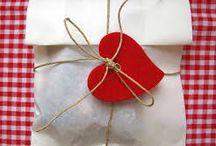 Gift Wrap Idea / by Sabrina Lorenzi