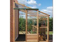 Szklarnie drewniane z cedru czerwonego / Polecamy świetnej jakości szklarnie drewniane, wykonane z cedru czerwonego. Są to najwyższej klasy szklarnie w przystępnych cenach. Szklarnie robione są specjalnie na zamówienie.