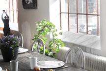 Plisségardiner till fönster / Plisségardiner passar i alla miljöer. Vilken är din stil? Shabby Chick, modernt, New England, retro, Colonial, kanske hittar du influenser av alla dessa och skapar din egna stil!