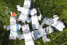 Paper toys - maestrasonia.it / Paper toys con cui i bambini familiarizzano con i personaggi da conoscere. Divertenti da colorare, si prestano anche per essere un oggetto da donare ai genitori in occasione delle festività o comunque da tenere a portata di mano per semplici drammatizzazioni.