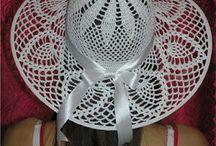 háčkované klobouky