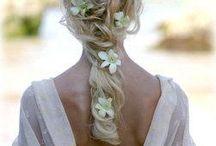 Bridal Hair / by Dani Dukes