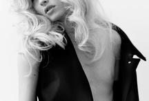"""STORM models / 18 апреля в Лондоне открывается выставка фотографий модельного агентства STORM под названием """"Taken by Storm"""": работы талантливейших фотографов с такими звездами, как Кейт Мосс, Синди Кроуфорд, Лили Дональдсон и другими. Совместная с журналом Centerfold выставка будет проходить в Joseph's Westbourne Grove до 2 мая 2013."""