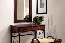 Toaletki / Toaletki wydają się być nieodzownym elementem sypialni, dzięki funkcjonalności staje się osobistym miejscem każdej Pani w sypialni.
