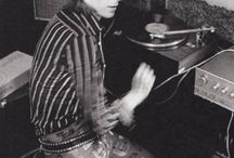 BOWIE / David Bowielle omistettu taulu