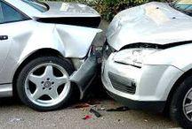 Ce facem in caz de accident? / 1. daca masinile sunt deplasabile este necesar sa scoateti masinile avariate in afara partii carosabile pentru a nu ingreuna circulatia sau chiar sa se evite provocarea altor accidente.  2. daca masinile nu sunt deplasabile, ar fi recomandat sa apelati la 112 .