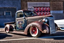 Good Old Trucks / by Pete Thysse