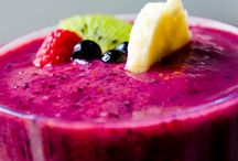 Smoothies and Juices / by Ceci Mtz