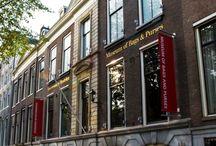 Ons museum / Het Tassenmuseum Hendrikje heeft niet alleen een prachtige collectie maar is ook in een schitterend gebouw aan de grachtengordel gevestigd