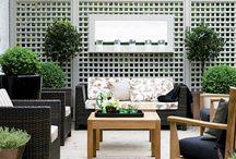 Courtyard Ideas / by Amber Woodward Gravitt