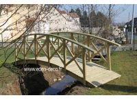 Pont de jardin en bois
