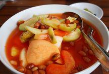 """Jelajah Kuliner Bogor / Kota Bogor yang terkenal sebagai """"Kota Hujan"""" juga memiliki berbagai macam kuliner khas yang enak. Simak di bawah ini"""