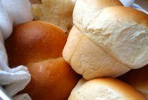 Food - Breads / by Jessica Esteban