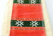 """Plase traditionale/ Traditional bags / Plase traditionale realizate din in, accesorizate cu stergare vechi, cusute pe itamina, in """"musca"""".  Traditional bags"""