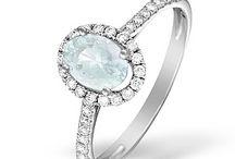 Aquamarine Engagement Rings / Beautiful aquamarine engagement rings in white gold and yellow gold.