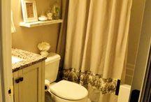 bathrooms / by Laura Randle