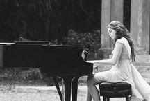 пианино в лесу
