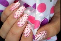 Unghii roz (pink)