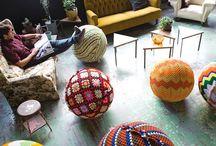 Crochetons