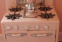 Vintage Kitchens / by Shirley Benjamin