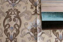 Bútorszövet minták / Szövetválasztékunkban megtalálhatók klasszikus és modern anyagok egyaránt. Néhány típus az általunk forgalmazott szövetekből: zsenília, bársony, gobelin jellegő, len és len hatású, jacquard, szennytaszító (teflon bevonatú) szövetek valamint textilbőrök, bőrök.