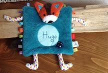"""Petit Merlin ; Collection """"Petit Renard"""". Https://www.petitmerlin.com / Accessoires bébés et enfants. Qualité et originalité au service des plus petits !  Https://www.petitmerlin.com La page Facebook : http://www.facebook.com/Boutique.petitmerlin"""