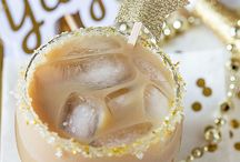 New Years Eve Party Ideas and Food / Ring in the New Year in style with these party ideas and food inspiration. Appetizers, drinks, desserts and more for your New Years Eve party.