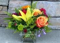Arrangements / Gallery of some of my own floral arrangements.