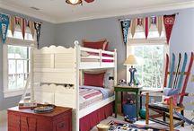 HOME: Kids' Room / by Jennifer Hayes