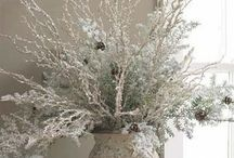 Let it Snow, let it snow, let it snow... / A mix of winter and Christmas decorating ideas. / by Decor Niche