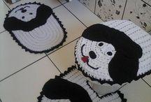 Jogo de banheiro cachorro / Este trabalho foi realizado pela minha mãe. Aceitamos encomendas