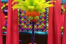 Feathers and balloon decor