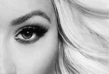 Christina Aguilera <3 / by Cassie Dolby