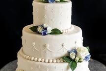 Cake Decorating / Cake decorating, wedding, white, ivory, fondant.